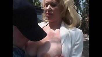 bis bglhen die schlucken sperma eier Blonde mom amatuer