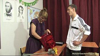 russian homemade mature Couple franais sodomie levrette extrieur