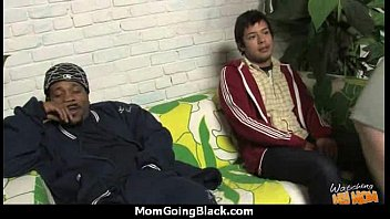 young guys creampie Latina madre con hija