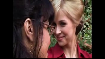 and mateur rosaline sarah fa257 Anal milf darla teaches teen maddy how to fuck