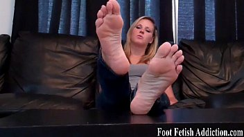 and bigtits foot fetish Lesbian group feet worship