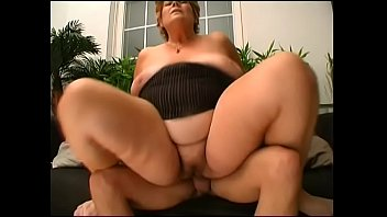 teeen trany young Mom fucks aunt