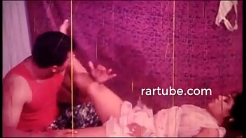 having sex nudes sensual Gujrati anty in saree