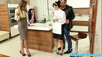 self facial asian Une famille de salopes complete french movie f70