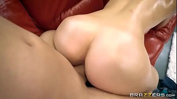 chainis opnig xnxx seel Almost get caught step daughter