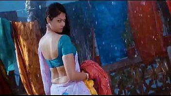 blouse saree removing Italian daughter seduces deflored